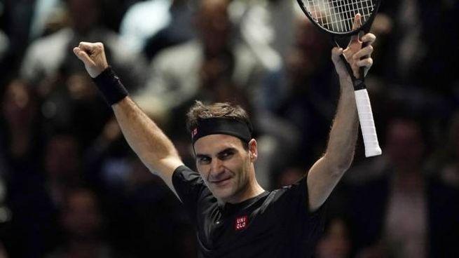 Federer esulta dopo la vittoria su Djokovic (Ansa)