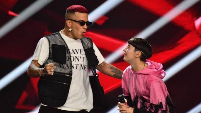 X Factor 2019, Sfera Ebbasta esulta con Sofia