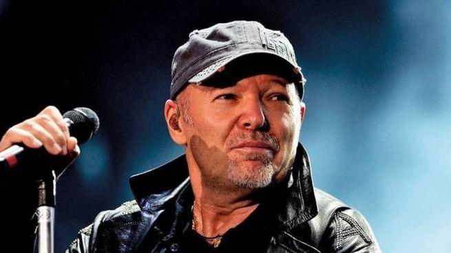 Vasco Rossi sarà in concerto a Imola il 26 giugno 2020 (Dire)
