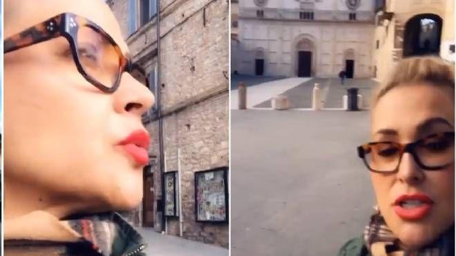 """Anastacia visita Assisi: """"Qui siamo in Paradiso"""". Soggiorno umbro per la star - La Nazione"""