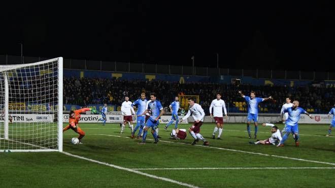 Arezzo-Carrarese 2-2: gli apuani sprecano. Avanti 2-0 si fanno rimontare a 5' dalla fine - La Nazione