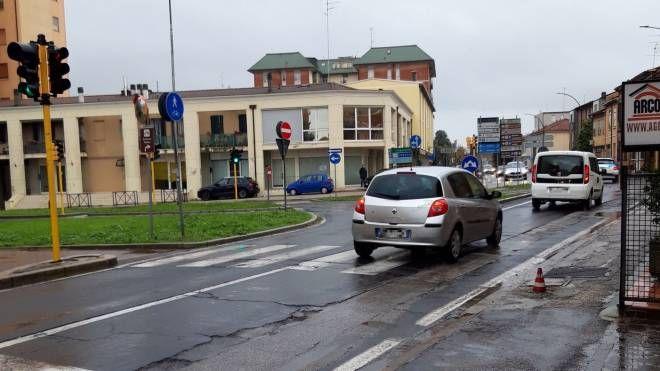 Incidente Ravenna, guida ubriaco e abbatte il semaforo - il Resto del Carlino
