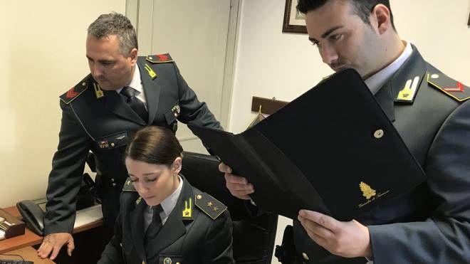 Migranti Ferrara, niente sospensione per i controllori - il Resto del Carlino