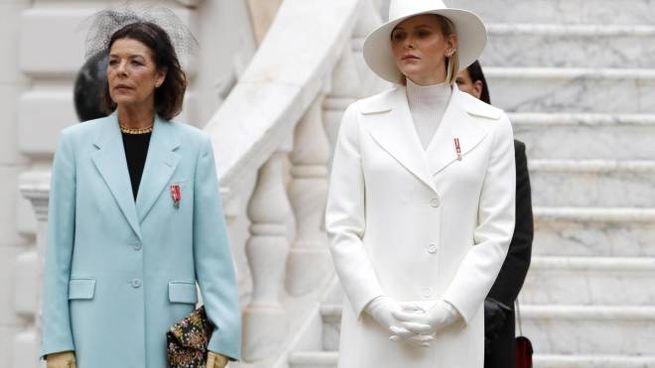Monaco, le principesse Carolina e Charlene (Ansa)