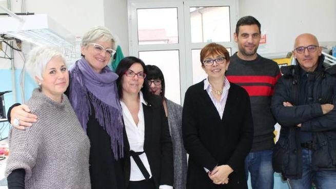 Un gruppetto di professori con la preside Lucia Baracchini