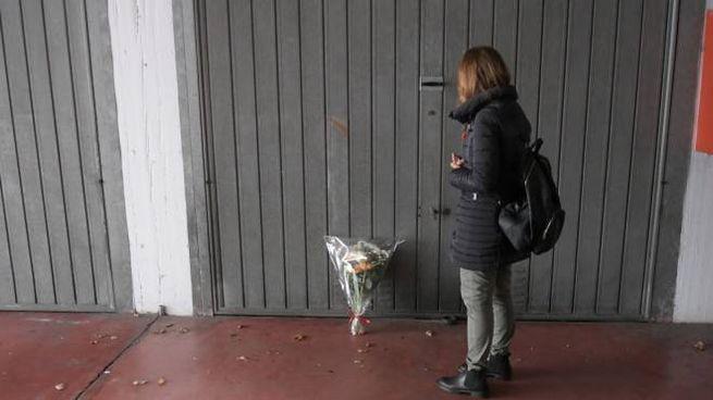 Il garage davanti al quale il 63enne  Donato Carbone  è stato freddato a sangue freddo