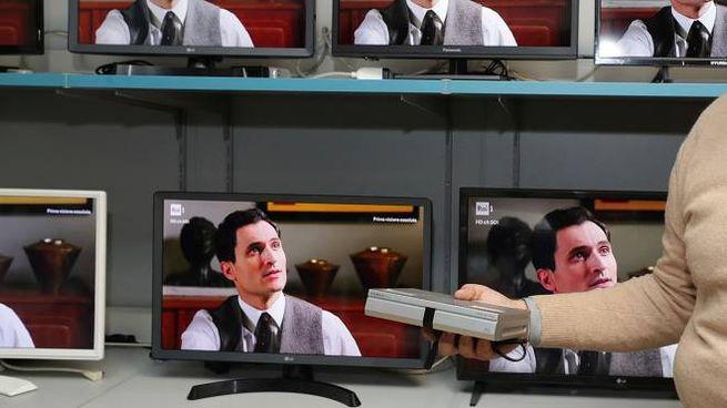 Per i vecchi televisori fra qualche mese la svolta