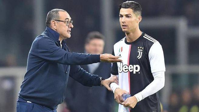 Maurizio Sarri e Cristiano Ronaldo (Ansa)
