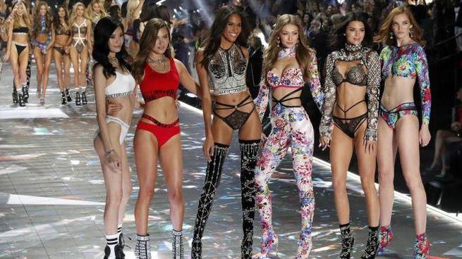 Il Victoria's Secret Fashion show del 2018 (Ansa)