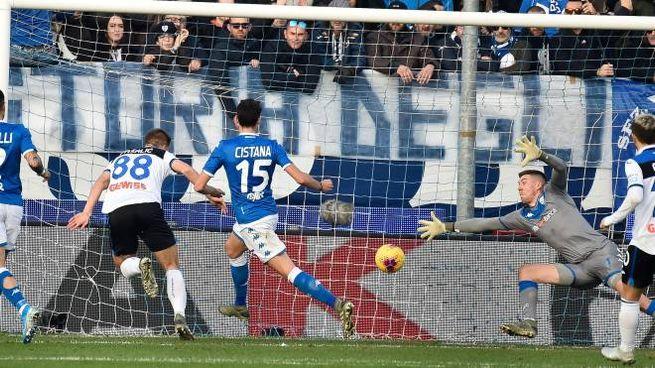 Pasalic al momento del primo gol (LaPresse)