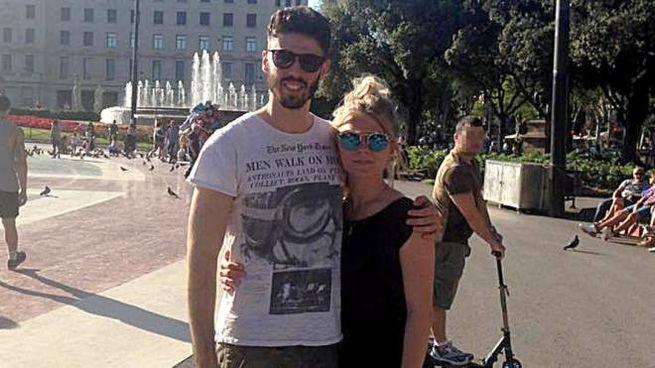 Luca Sacchi con la fidanzata, Anastasia Kylemnyk (Ansa/Facebook)