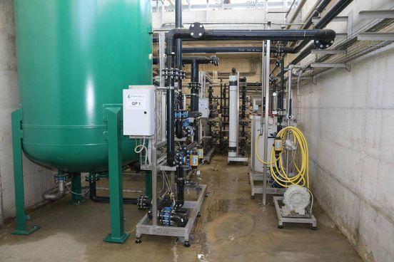 Un dettaglio dell'impianto di potabilizzazione dell'acqua proveniente dal pozzo. Dopo essere stata depurata viene usata per le lavorazioni, per l'igienizzazione oltre che per il trasporto della. frutta