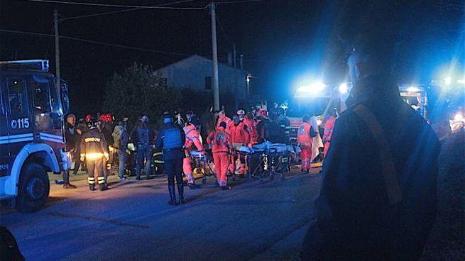 La tragedia di Corinaldo: sei morti alla discoteca Lanterna Azzurra (foto Antic)