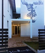 L'Hotel Villa delle Fate, ristrutturato e dotato di centro benessere Nel riquadro, il sindaco Bonucchi