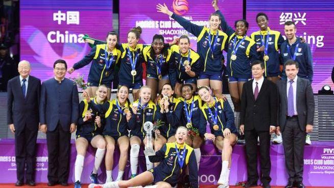 La Imoco Volley Conegliano festeggia la vittoria del Mondiale per club (Ansa)