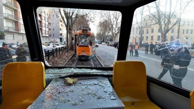 Due tram si tamponano a Torino: 14 feriti (Ansa)