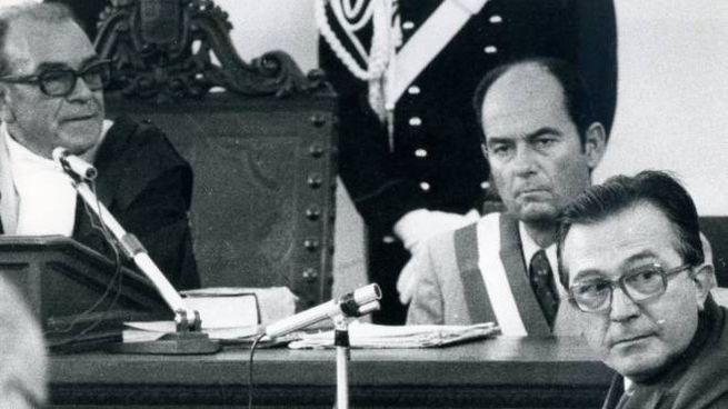 Giulio Andreotti durante una delle udienze a Catanzaro