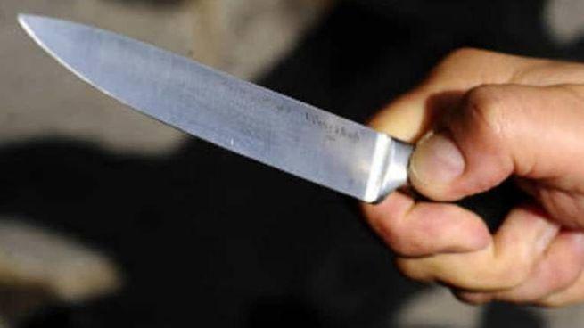 Bologna, il ragazzino ha subìto una coltellata a una coscia (foto d'archivio)