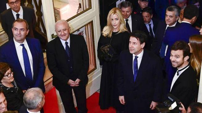 Il presidente del Consiglio Conte con la compagna Olivia Paladino (Ansa)
