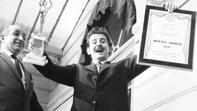 Domenico Modugno vince Sanremo nel 1958 con Volare
