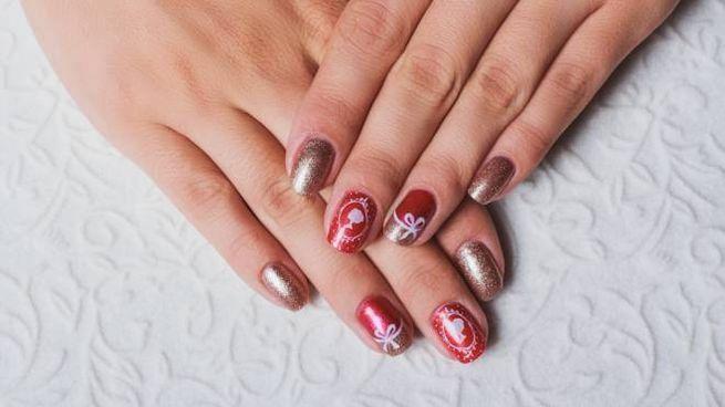Come decorare le unghie a tema Natale