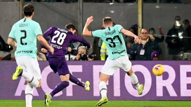 Vlahovic beffa l'Inter (Ansa)