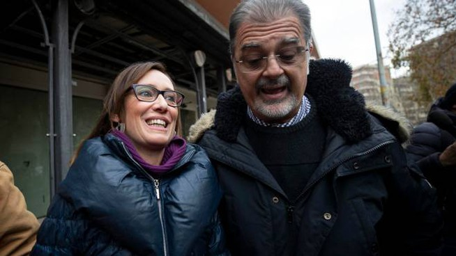 Ilaria Cucchi e Fabio Anselmo al loro arrivo in tribunale (Ansa)
