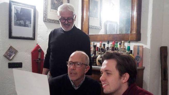 Peter Chelsom in casa dell'architetto Volmaro Mori col figlio Reggie, aiuto regista