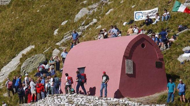 Il rifugio-bivacco Aronte sulle Apuane