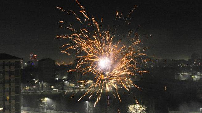Fuochi d'artificio nel cielo di Milano (Marmorino)
