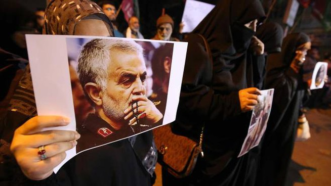 Iran, proteste contro l'uccisione del generale Soleimani (Ansa)