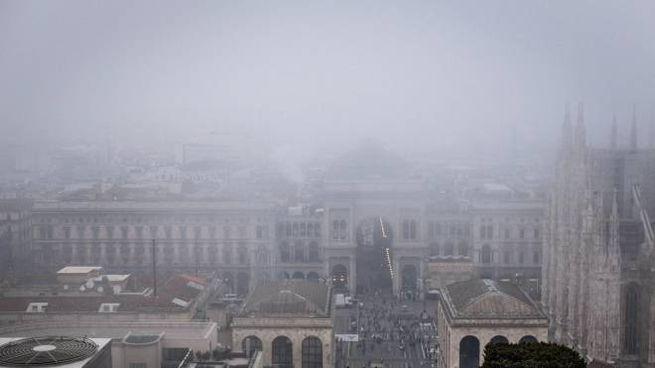 Polveri sottili, da Milano a Torino peggiora la qualità dell'aria (Ansa)