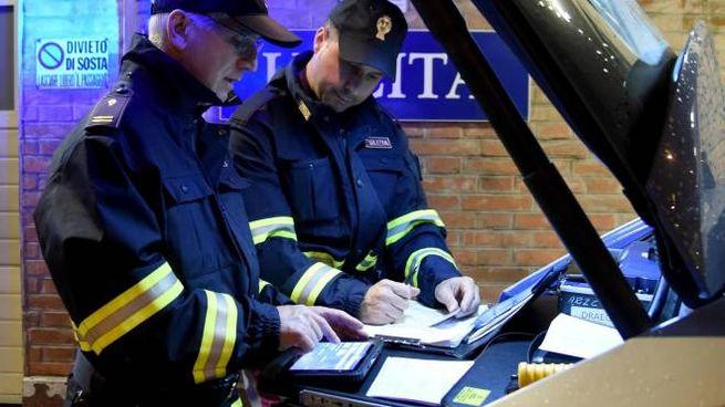 I tre diciannovenni sono stati sorpresi e multati dalla polizia stradale a Firenze