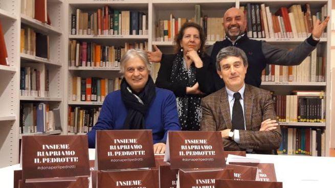 Da sin. Dino Venanzini e Ludovico Bramanti. In piedi, Catia Amati e Cristian Ricciarini