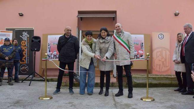 L'inaugurazione del canile (foto Novi)