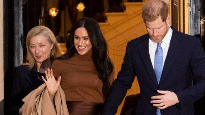 Meghan e Harry in visita al Canada House di Londra, il 7 gennaio 2020 (Ansa)