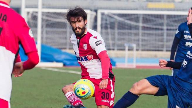Andrea Montanari, 33 anni, centrocampista. Sua la rete del definitivo 2-1 per il Rimini (foto Petrangeli)