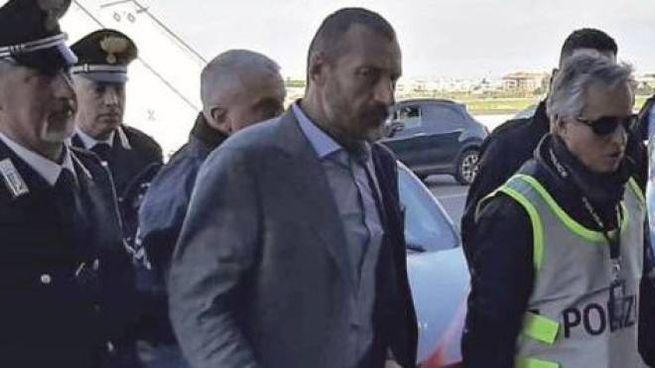 Giulio Lolli al suo arrivo a Ciampino