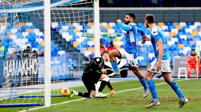 Lorenzo Insigne esulta dopo il secondo rigore segnato al Perugia (Ansa)