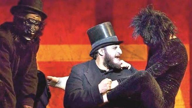 In scena al Piccolo Teatro Strehler un cast di ben 23 attori