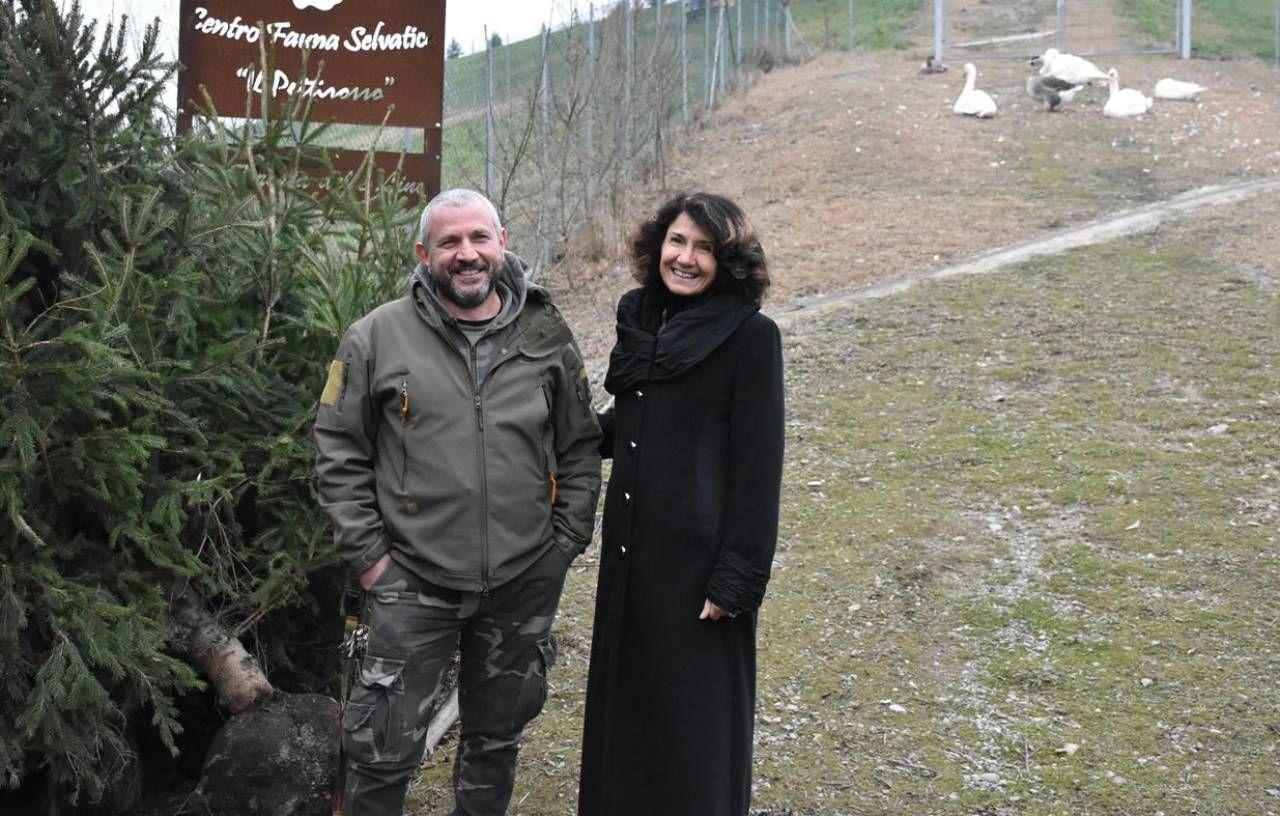 Il comandante Patrizia Gambarini e il responsabile dell'associazione Piero Milani