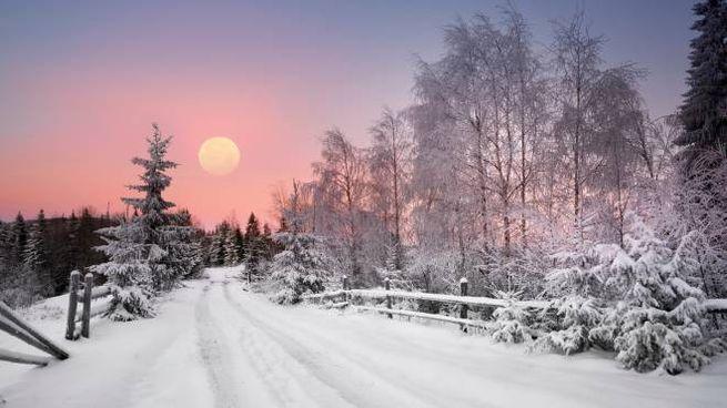 Previsioni del tempo, arriva la neve a bassa quota (foto iStock)