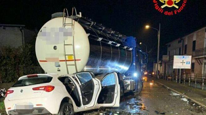 L'incidente mortale a Dello (foto Vigili del Fuoco)