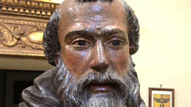 Sant'Antonio Abate, la scultura lignea della Misericordia di Siena