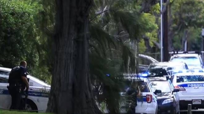 Contea Di Honolulu Hawaii hawaii, sfrattato accoltella la proprietaria e uccide due