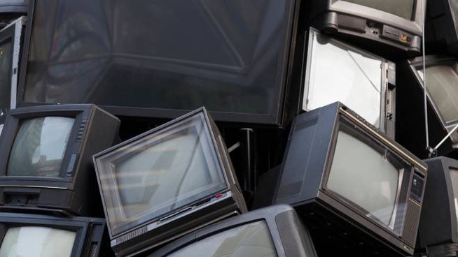 Si stima che 10 milioni di televisori finiranno in discarica o avranno bisogno del decoder