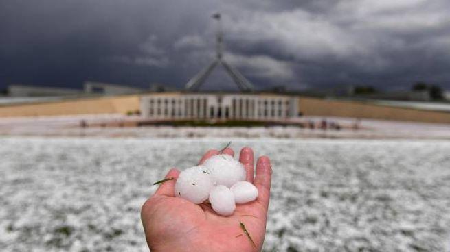 Canberra, grandinata 'imbianca' l'Australia sud-orientale (Ansa)