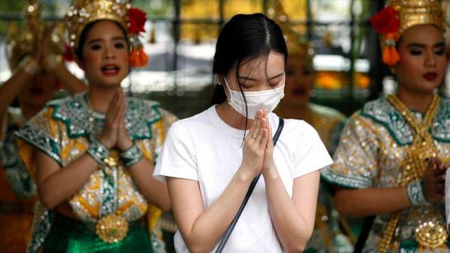 Coronavirus cinese, ci si protegge anche in Thailandia (Ansa)