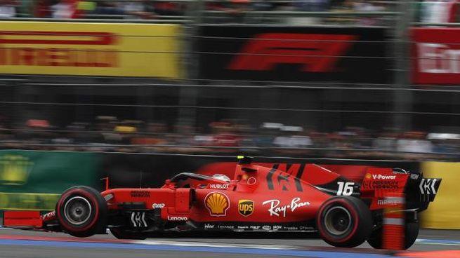 Ferrari, la monoposto del 2019. Quella del 2020 sarà presentata a Reggio (Foto Ansa)