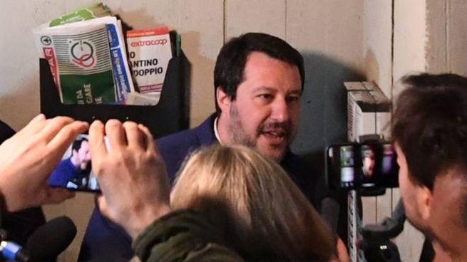 Salvini al citofono (FotoSchicchi)